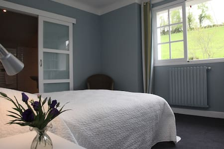 Maison Gure Lana Chambre Ocean - Bed & Breakfast