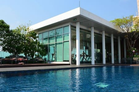 Roof top pool/Near Bts / Free WIFI - Bangkok - Appartamento