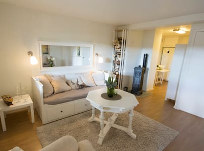 Høysand: Cozy apartment close to the beach - Byt