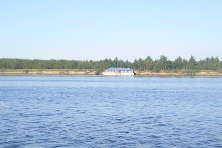 Домик на воде - Loď
