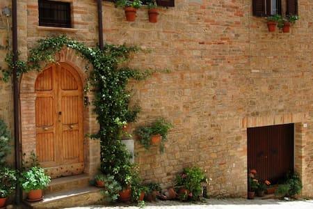 Private room in Penna San Giovanni - Casa