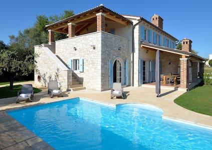 Villa Miramar, seaview, pool (6-8) - Vabriga