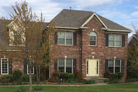 Beautiful Derby Home on the EastEnd - Casa