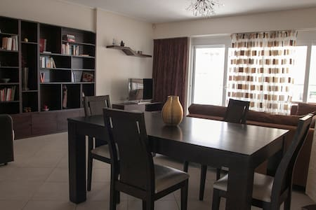 Modern apartment 90m2 near the sea - Pireas - Apartment