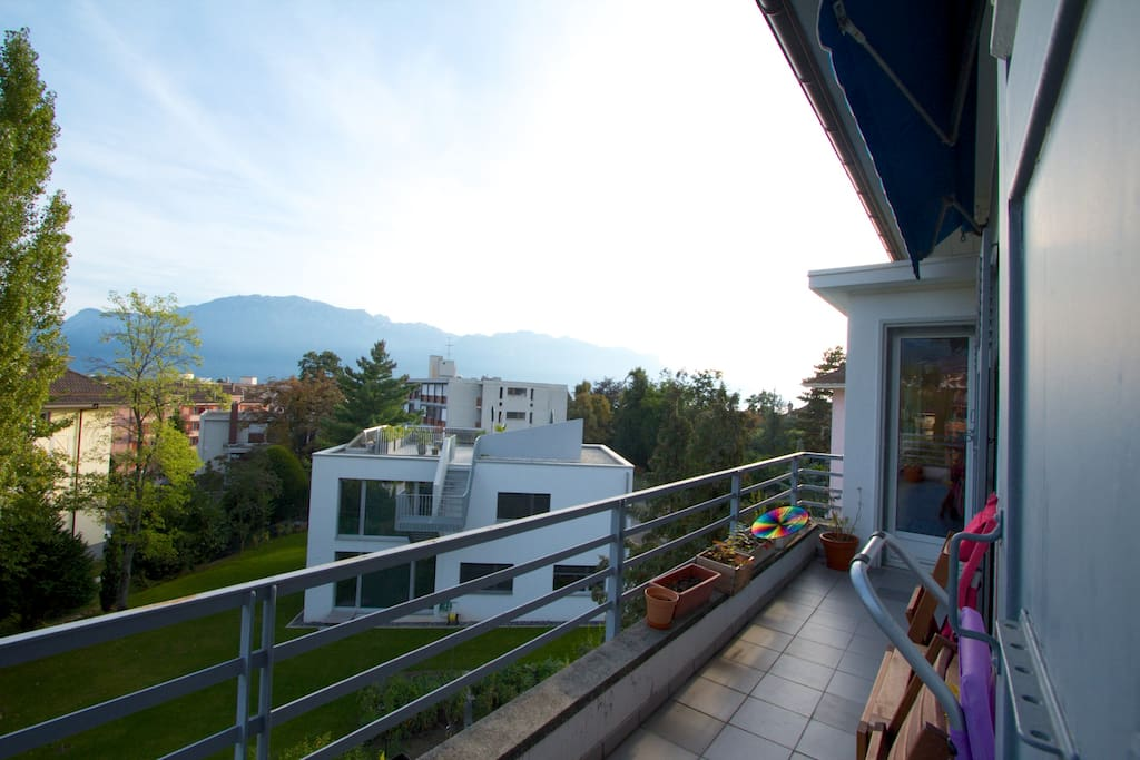 A room in Vevey with sunny balcony