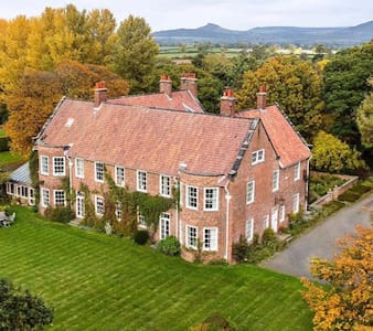 Beautiful Edwardian Country House in Yorkshire - Great Broughton