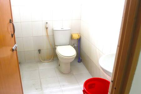 Cheap holiday accommodation close to Airport - Apartament