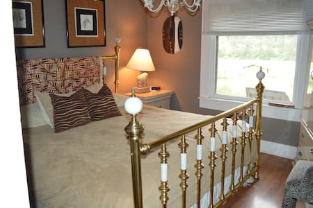 The Southfork River Ranch Guest Cottage - Stites - Bed & Breakfast