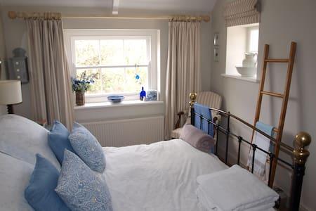 Tenby - room in coastal Manorbier - Huis