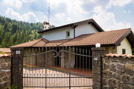 Villetta in montagna - Villa