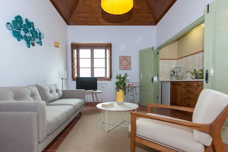 Stunning 2 Bedroom Guesthouse - Sintra