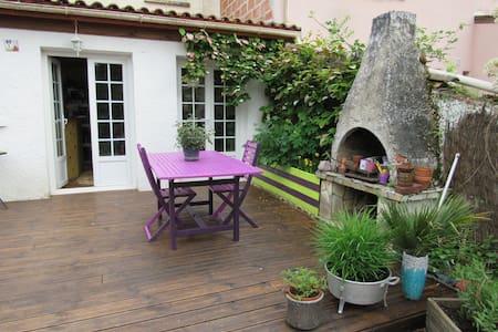 Chambre avec salle d'eau - La Brède - Ev