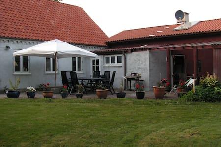 Bo i smukke omgivelser, Nær Sorø