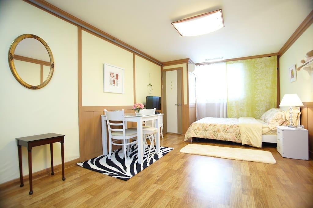 Studio House(S1):Myeongdong&Itaewon
