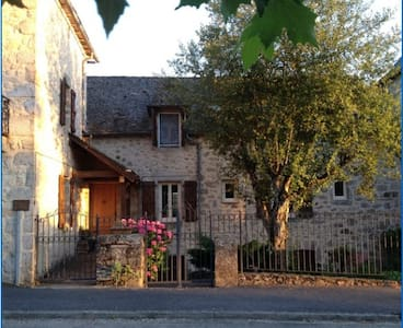 English Bed & Breakfast, Aveyron, SW France - Lunac - Wikt i opierunek