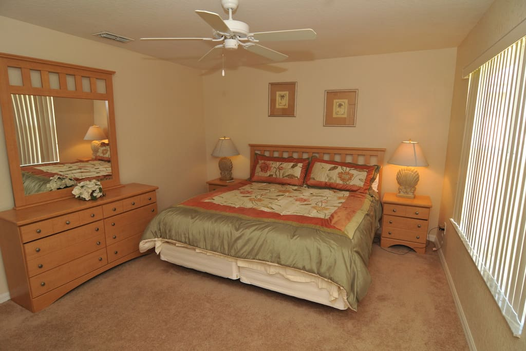 Master has a king sized bed, 40 inch tv, wifi and garden tub/shower
