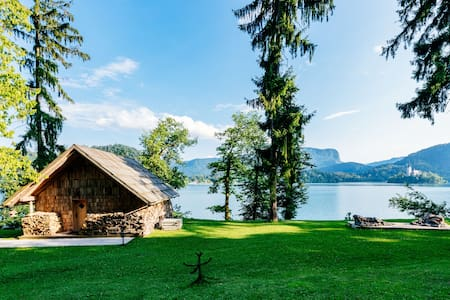Private beach house on Lake Bled - Bled