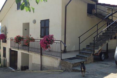 Amplia mansarda ai piedi d. M.Penna - Alpe - Loft