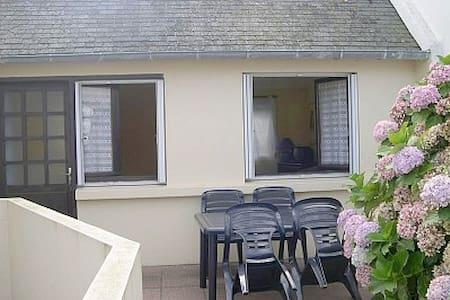 studio pour deux personnes - House