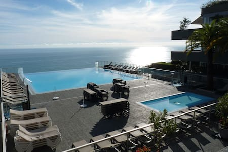 Magnificent sea view, large swimming pool - Cap-d'Ail - Daire
