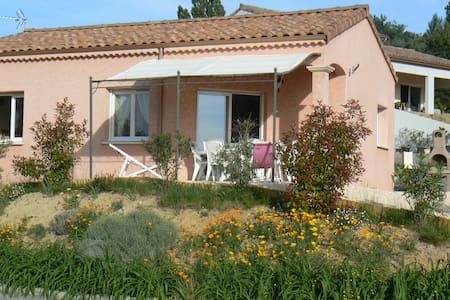 Location de Gîtes Sud Ardèche Méridionale - Huis