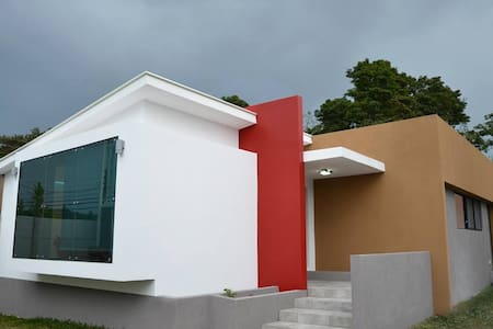 Modern Bedroom in Cartago