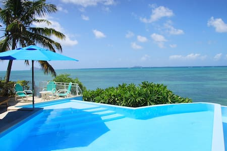 Villa pied dans l'eau