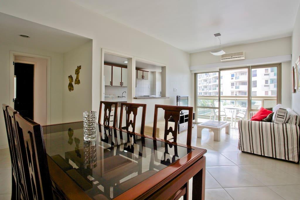 Ocean front 2 suite apt + amenities