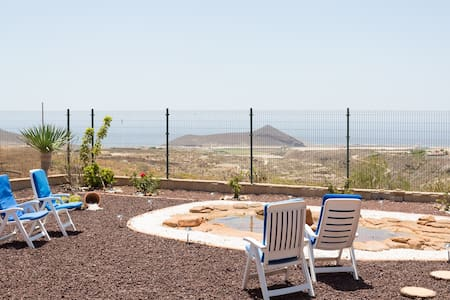 LUXURY VILLA SEAVIEWS WIFI - Granadilla - House