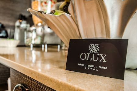 OLUX HOTEL MOTEL SUITES (SUPERIEUR) - Laval - Bed & Breakfast