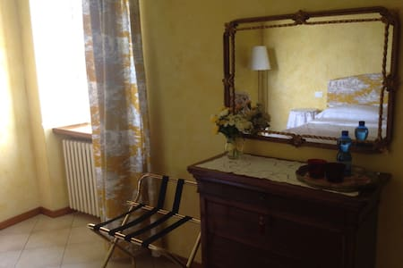 B&B Casa in Castello Family Suite - Pozzolengo