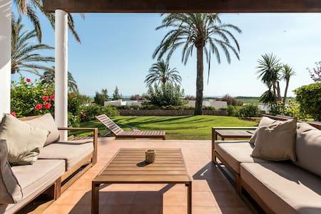 Modern design small villa. - Hus