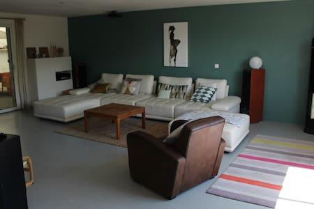 loft 220 m² 6p+2enfants - Haus