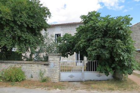 Maison 6 personnes Mansle Charente - Hus