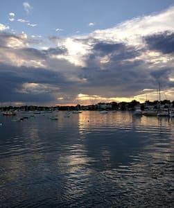 Oceanside Beautiful View of Boston - Wohnung