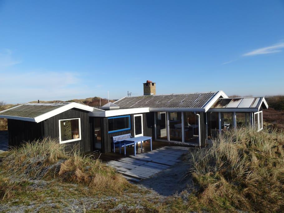 Du er tæt på både fjord og hav   hytter til leje i hvide sande