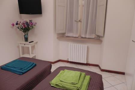 2 stanze 2 bagni privati