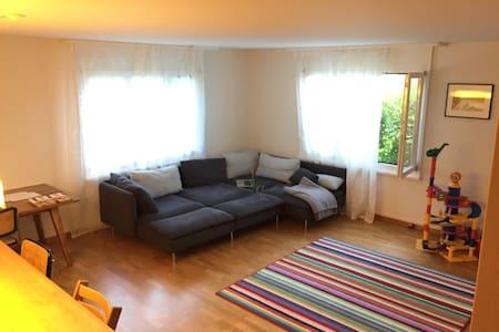 Schöne Gartenwohnung mit viel Platz - Appartamento