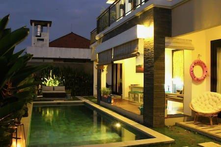 Luxury private villa Bali Seminyak - North Kuta - Villa