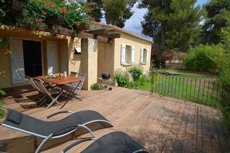 """Minivilla """"Bamboo"""" with private garden, large terrace with deck and barbecue - Calvi"""