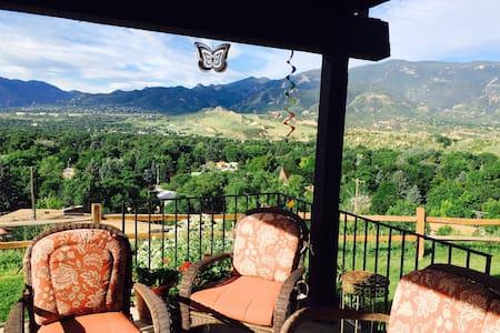 Amazing mountain view, 2br NW - Colorado Springs
