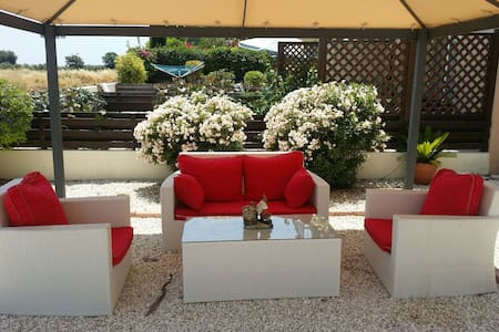 Luxury Holiday beach House 3bed  - Mandria