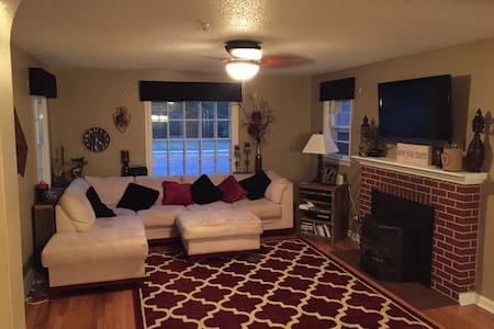 Clean, Updated Home in the Avenues - Cheyenne - Hus