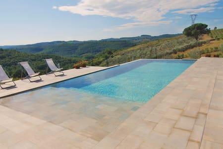 Villa con piscina privata vicino FI - Villa