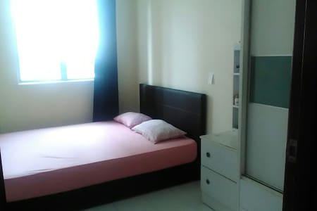 Private Room with WiFi, Pool & Gym - Subang Jaya