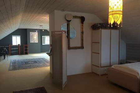 100 M² , quatre lits, grande sdd. - Malmedy - Villa