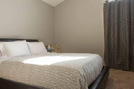 Nice Room in West Reno - Close to Downtown - Ház