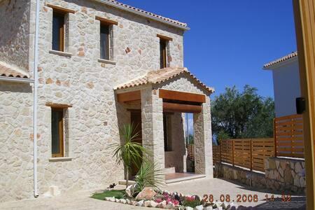 Villa Dora - luxury private villa with pool - Tragaki - Villa