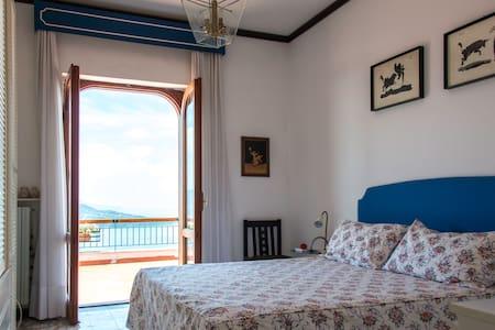 Villetta super panoramica Sorrento - Haus