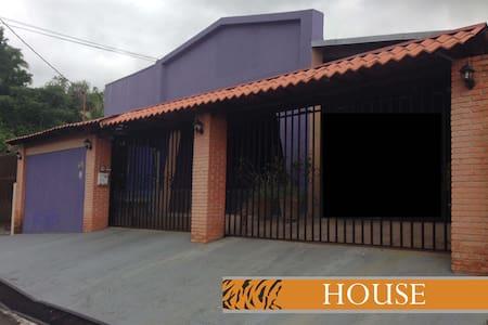 A spacious 4 bedroom home in Escazú